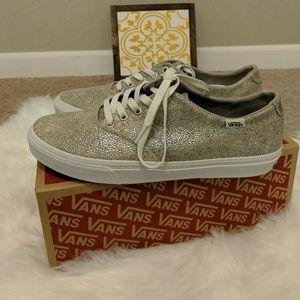 "Vans ""off the wall"" women's winston shoe"